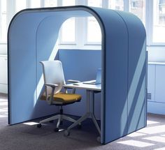 Haworth is a global office furniture manufacturer with factories and offices across Europe. Library Furniture, Office Furniture, Office Decor, Furniture Design, Haworth Furniture, Corporate Interiors, Office Interiors, Office Pods, Office Cubicle