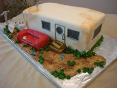 Peggy Murnahan has always had an interest in baking, and she would bake cakes for her children's birthdays and other events. Redneck Birthday, Redneck Party, 60th Birthday Party, Trailer Trash Recipe, Trailer Trash Party, White Trash Wedding, White Trash Party, Redneck Cakes, Park Party Decorations