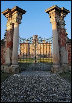 entrance gate, Chignolo Po Wrought Iron Gates, Entrance Gates, Big Ben, Italy, Canning, Deco, Building, Travel, Gates Driveway
