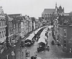 de oude markt van Leiden