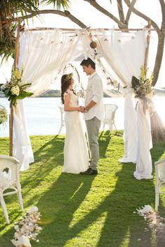 Wedding Bliss Simple Understated Wedding Nuptials| Serafini Amelia| Bohemian Waterside Wedding Inspiration