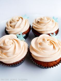 Gingerbread cupcakes with caramel buttercream