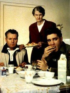 Elvis  http://www.amazon.com/SUNDAY-SAUCE-Americans-Spaghetti-Meatballs-ebook/dp/B00I5D4CUS