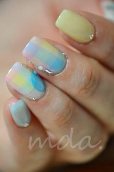 Love the softnes of this. I so would do this with my nails if I could.               #nail #nails #nailart
