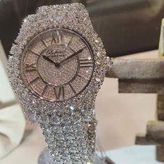 Fine Jewelry Graff - All diamond watch - fine jewelry. Diamond watches for ladies are one of the most amazing Cute Jewelry, Jewelry Box, Jewelry Watches, Jewelry Accessories, Diy Jewelry, Gold Jewelry, Jewlery, Wedding Jewelry, Jewelry Bracelets