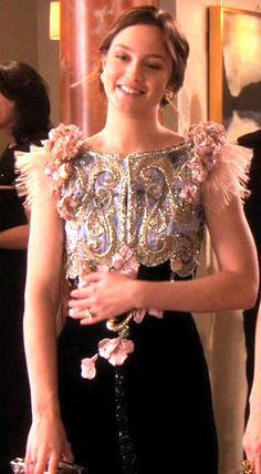 """""""Shattered Bass"""", episode season Blair Waldorf in Alexis Mabille Blair Waldorf Outfits, Blair Waldorf Gossip Girl, Blair Waldorf Style, Blair Fashion, Fashion Tv, Love Fashion, Gossip Girl Outfits, Gossip Girl Fashion, Prom Dresses With Sleeves"""
