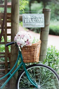 I love old bicycles with a passion! I have one myself and have been wanting to paint it. . . . .maybe I'll do it this color