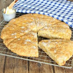 Swedish carrot 'bread' that doesn't need yeast 20 Min, Scones, Baked Goods, Foodies, Carrots, Favorite Recipes, Cheese, Breakfast, Instagram