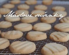 Laskominy od Maryny: Máslové sušenky Desert Recipes, Crinkles, No Bake Cake, Sweet Tooth, Almond, Goodies, Sweets, Bread, Cooking