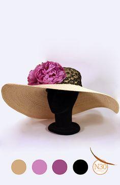 -N30 Atelier- Pamela con casco forrado en encaje y cascada de flores malva