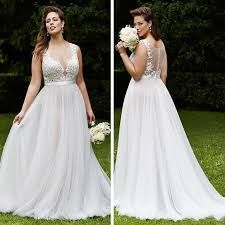 Resultado de imagem para vestidos de noivas plus size