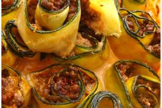 Zucchini Canneloni mit Rindfleisch und Tomate - - Cannelonis de courgette au boeuf et à la tomate Zucchini Canneloni mit Rindfleisch und Tomate Gourmet Recipes, Keto Recipes, Healthy Recipes, Comidas Light, Lasagna Recipe With Ricotta, Italian Recipes, Breakfast Recipes, Good Food, Easy Meals