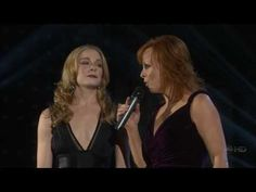 LeAnn Rimes & Reba McEntire - When You Love Someone Like That (Live at the 2007 CMAs) [HD]