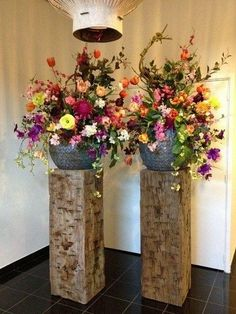 Meerpaal sokkels | authentieke meerpalen | haaks gekort Hotel Flower Arrangements, Urban Rooms, Rama Seca, Hotel Flowers, Altar Decorations, Indoor Planters, Arte Floral, Silk Flowers, Wedding Centerpieces