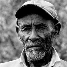 Crooks is the old black guy that have lived on the ranch for the longest. crooks also has his own bunk ., also with a crooked back. Crooks is the stable hand on the ranch. Old Man Pictures, Shocking Facts, Homeless Man, Of Mice And Men, Face Men, African Men, The Ranch, Old Men, Picture Show