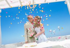 Miltos Karaiskakis #wedding #weddingphotography #weddingvideography #photoshooting #weddingceremony #weddingdecoration #destinationwedding #weddingideas #santoriniwedding #weddingcolors #bride #groom #flowerpetals #unforgettablemoments #love #happiness #santorini #greece www.video-santorini.gr