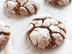 Gingerbread Crinkle Cookies are a must-try during the holidays. They are chewy, full of ginger flavor and coated in sugar with exposed cookie cracks. This Gingerbread Crinkle Cookies recipe is perfect for Christmas cookie swaps and holiday potlucks! Butter Spritz Cookies, Ginger Molasses Cookies, Ginger Bread Cookies Recipe, Chocolate Crinkle Cookies, Chocolate Crinkles, Best Holiday Cookies, Fall Cookies, Christmas Cookies, Fall Cookie Recipes