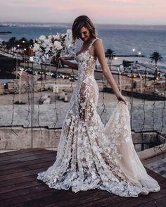 Spaghetti Strap Wedding Dress, Wedding Dresses With Straps, Sexy Wedding Dresses, Boho Wedding Dress, Sexy Dresses, Destination Wedding Dresses, Spaghetti Straps, Prettiest Wedding Dress, Mermaid Wedding