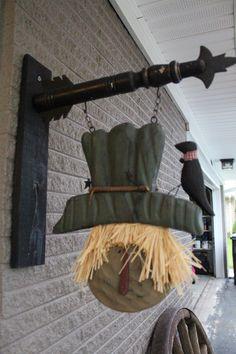 Primitive decor. Scarecrow primitive arrow sign 2013