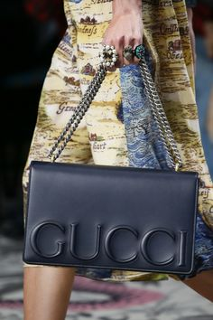 Gucci Spring 2016 Ready-to-Wear Fashion Show Details #gucci #bags #handbags