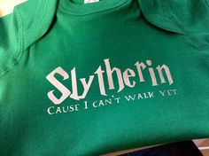Slytherin cause i cant walk yet onesie - Harry Potter onesie - Harry Potter baby gift - slytherin onesie - slytherin baby gift Baby Harry Potter, Harry Potter Nursery, Harry Potter Baby Clothes, Harry Potter Baby Shower, Baby Car Mirror, Baby Sleepers, My Little Baby, Baby Milestones, Baby Bottles