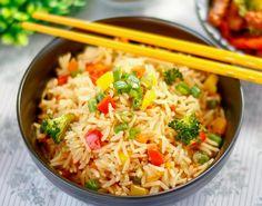Ingredientes   2 xícaras de  arroz  basmati  1 xícara de brócolis , finamente picado  1 pimentão verde pequeno, finamente picado