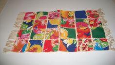 artesanato chita passo passo   Chão de Giz Artesanatos: Passo-a-passo : TOALHINHA DE MESA FEITA COM ... Kitchen Kit, Mug Rugs, Crochet Hooks, Crochet Blankets, Diy And Crafts, Burlap, Cotton Fabric, Outdoor Blanket, Napkins