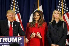 Melania Trump: Donald Trumps schönere Hälfte - Lange hielt sie sich im Hintergrund, jetzt geht auch sie zum Angriff über: Melania Trump (Mitte), die dritte Ehefrau von Immobilien-Milliardär Donald Trump. Mehr zur Person: http://www.nachrichten.at/nachrichten/meinung/menschen/Donald-Trumps-schoenere-Haelfte;art111731,2166490 (Bild: Reuters)
