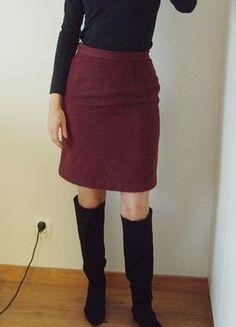 Kup mój przedmiot na #vintedpl http://www.vinted.pl/damska-odziez/spodnice-do-kolan/21384450-tylko-wymiana-spodnica-ciepla-bordo-struktura-olowkowa-klasyczna-36