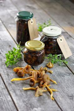 Sienisäilyke Wild Mushrooms, Stuffed Mushrooms, Mushroom Recipes, Vegetables, Food, Stuff Mushrooms, Essen, Vegetable Recipes, Meals
