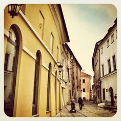 Let's follow the cops back home | #lublin #poland #polska #building #architecture #buildinglover #oldtown #street #buildingstyles_gf #igerspoland #photowall #instagramers #clubsocial #instaddict #instadaily #instaweb #instamood #igmasters #instabest #instagramhub #instagroove #instagood #igeroftheday #igers #igdaily #all_shots #gmy #_wg - @aszad- #webstagram