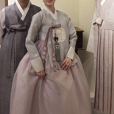 Our haute couture, beautiful The Dan Hanbok. Korean Traditional Dress, Traditional Fashion, Traditional Dresses, Korean Bride, Korean Wedding, Korean Hanbok, Korean Dress, Korean Couple, Couple Aesthetic