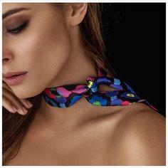 38 отметок «Нравится», 1 комментариев — Silk Philosophy (@silkphilosophy) в Instagram: «Florence mini silk scarf now 60% off 🎀 Shop @ www.SilkPhilisophy.com 🎀 Handmade from Prada silk…»