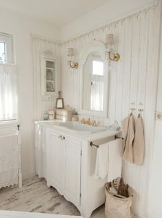 GroB 30+ DIY Shabby Chic Bathroom Decoration Inspirations
