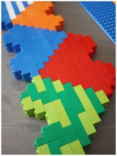 Lego Heart Engineering Puzzle Building Patterning http://littlebinsforlittlehands.com/lego-heart-engineering-building-project-kids/