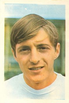 008 - Allan Clarke (England) - Leeds United paid for this slighty built, clever striker in June a year after Leicester had paid for him from Fulham. Ex-Walsall in 1966 for where he developed. Seven goals in six games. The Damned United, Leeds United Fc, Walsall, Soccer Stars, Paninis, Fulham, Leicester, World Cup, Clever