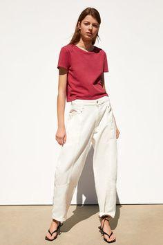 ZARA - Female - Basic washed effect shirt - Maroon - S Short T Shirt, Tshirt Knot, Zara, Crop Rotation, Summer Wardrobe, Khaki Pants, Short Sleeves, Normcore, Blue And White