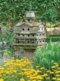 Castelo para passarinhos.