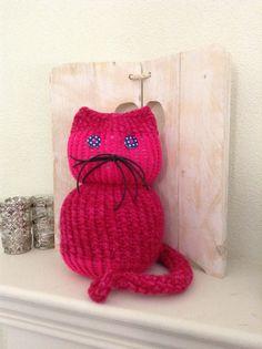 Kat op de breiring / knitting loom