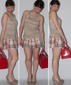 Look do dia no blog de moda: como usar saia xadrez, blusa popup store, salto anabela de oncinha Santa Lolla e Candy Bag Furla. Dicas de moda no blog de moda