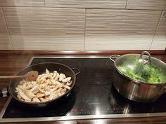 Mihaela Testfamily: Wenn´s schnell gehen soll: Broccoli und Hähnchenbrust mit Parmesan überbacken dazu Rosmarin Gewürznudeln von Pastatelli  http://www.mihaela-testfamily.de  #Kochen #Food #Foodblog #Kinder #AuflaufBroccoli #gesund #Ernährung #Bruschetta #Pastatelli #Pasta