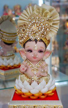 Shri Ganesh Images, Durga Images, Ganesha Pictures, Lord Krishna Images, Lord Durga, Ganesh Lord, Jai Ganesh, Shree Ganesh, Durga Maa