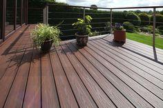 TERASY TREX Trex je společnost, která vyrábí především plastové terasy Trex, zábradlí a oplocení.Mezi hlavní výhody terasy Trex patří minimální nároky na údržbu a vzhled imitující dřevo.