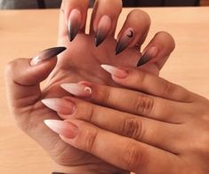 Nail Polish Trends to Inspire Your Next Manicure Witchy Nails, Goth Nails, Edgy Nails, Grunge Nails, Fancy Nails, Stylish Nails, Pretty Nails, Anime Nails, October Nails