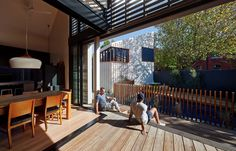 A biiiiig sliding door in the living, like Caroline and Toby old apartment!   http://www.houzz.com.au/photos/21032058/little-brick-studio-northern-lighting-modern-exterior-sydney