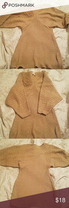 DEREK HEART Metallic Dolman Sweater 2 FOR $20 Like new v-neck gold metallic sweater with dolman sleeves, worn once, size L, cute, cozy, and sexy,  see last picture for fit only, accepting all reasonable offers, bundle for discounts, **BUNDLE WITH ANOTHER 2 FOR $20 ITEM AND RECEIVE BOTH FOR $20** Derek Heart Sweaters V-Necks