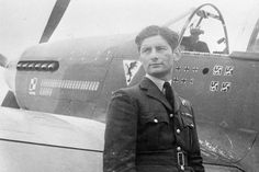 Squadron Leader Eugeniusz Horbaczewski of No. 315 Polish Fighter Squadron, standing by his new Mustang Mark III (FB387, PK-G) at Brenzett, Kent.