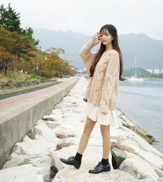 67 Ideas style korean ulzzang seoul for 2019 Korean Fashion Winter, Korean Fashion Casual, Korean Fashion Trends, Ulzzang Fashion, Korean Street Fashion, Korean Outfits, Asian Fashion, Trendy Fashion, Boho Fashion