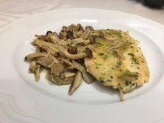 Scaloppine ai Funghi - Chef Stefano Barbato - YouTube Italian Recipes, Carne, Risotto, Chicken, Cooking, Ethnic Recipes, Youtube, Chef, Video