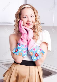 Afbeeldingsresultaat voor pics of women wearing rubber gloves